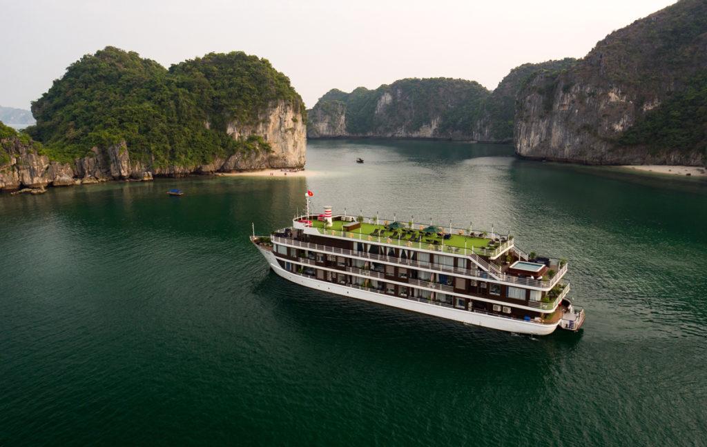 lan ha bay cruise honeymoon trips